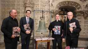 Foto Cabildo y revista Catedral