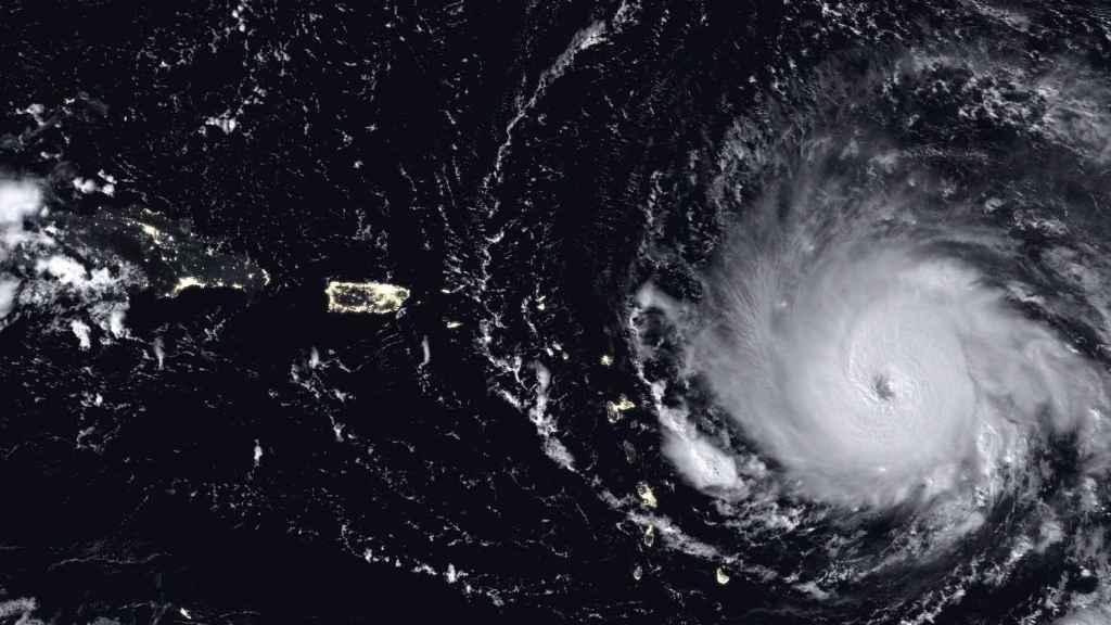 Fotografía satélite del huracán irma.