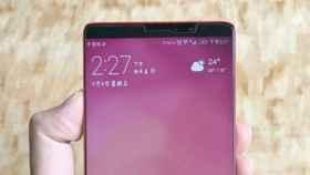 El Huawei Mate 10 Pro confirma que viene sin bordes en tres fotografías
