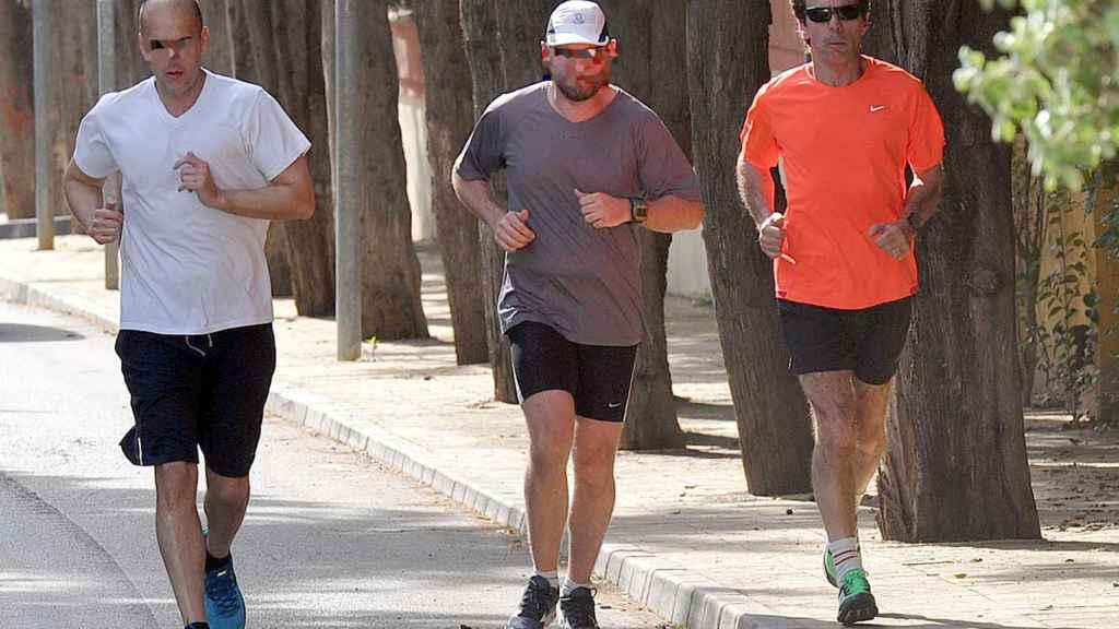 El expresidente del Gobierno haciendo running junto a sus guardaespaldas.