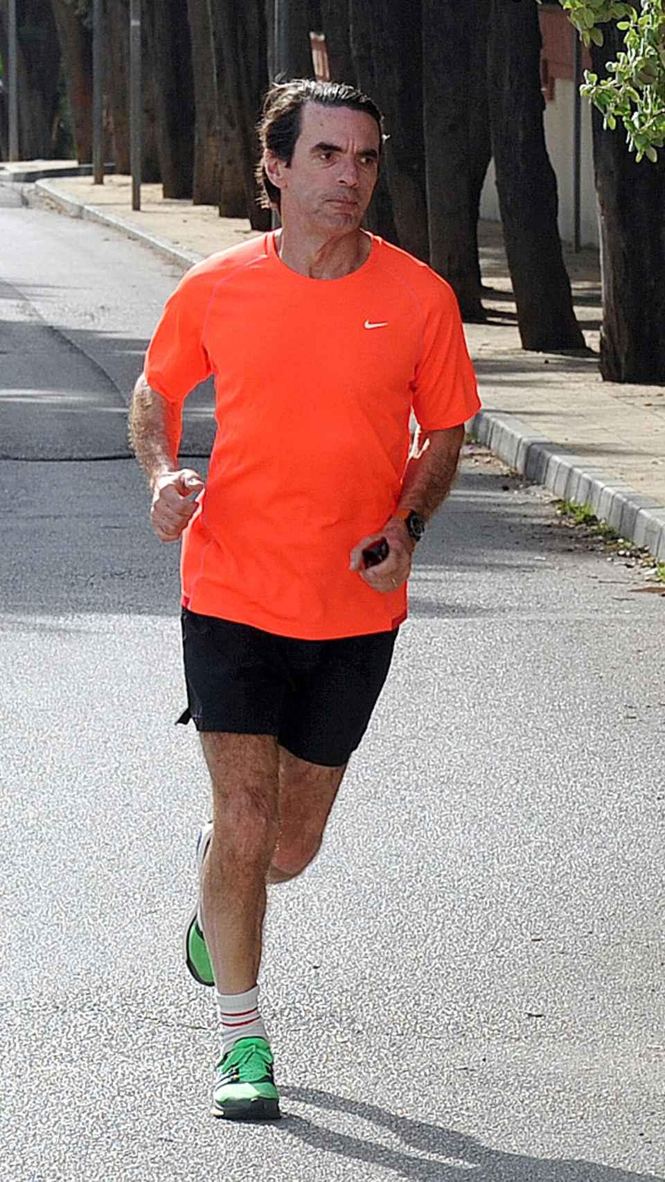 José María Aznar haciendo deporte en Madrid.