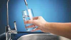 La UE quiere que bares y restaurantes ofrezcan agua del grifo gratis