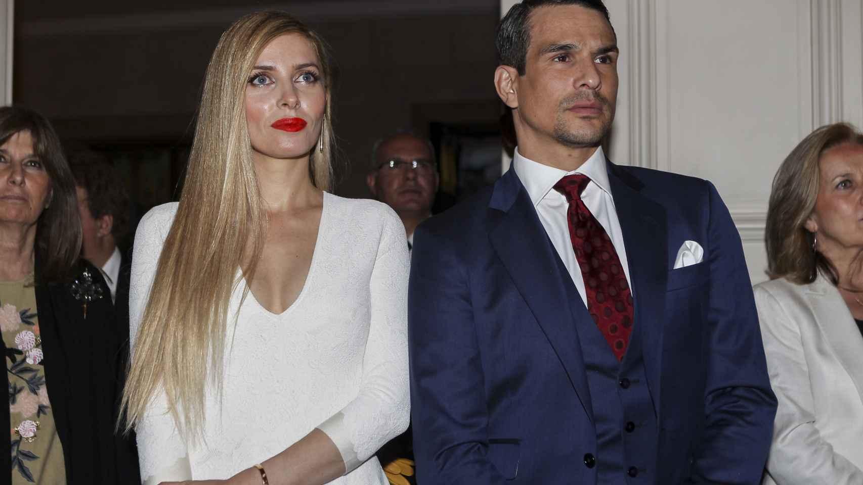 José María Manzanares con Rocío Escalona, su mujer.