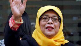 Halimah Yacob  futura  presidenta de Singapur.