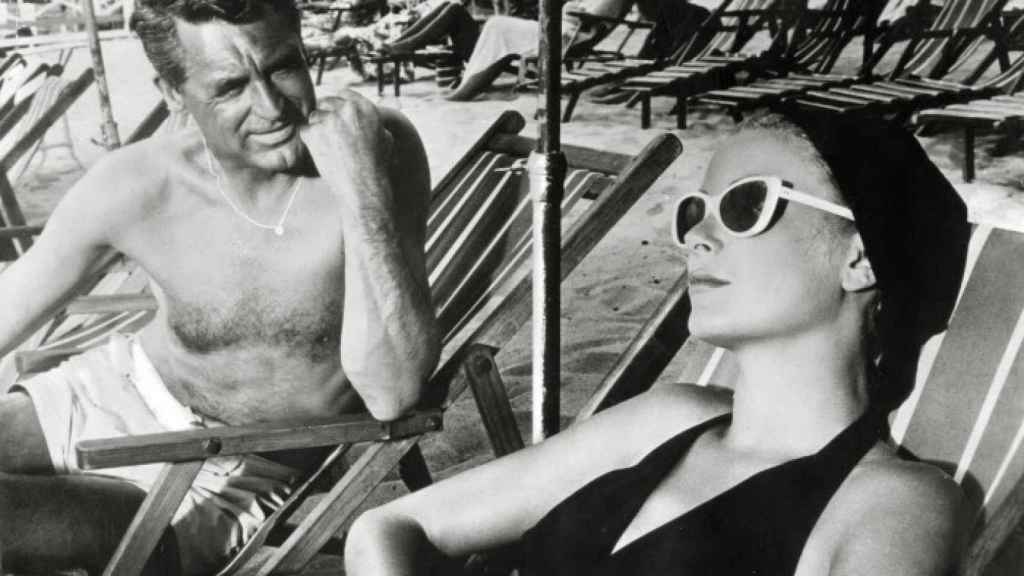 Escena de la película Atrapa un ladrón (1955) junto al popular actor Cary Grant.  Foto: GTRES.