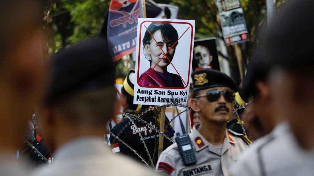 Una protesta en Jacarta, Indonesia, frente a la embajada de Birmania.