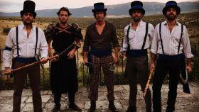 Alonso Aznar y sus amigos en la fiesta de Pedraza (Segovia).