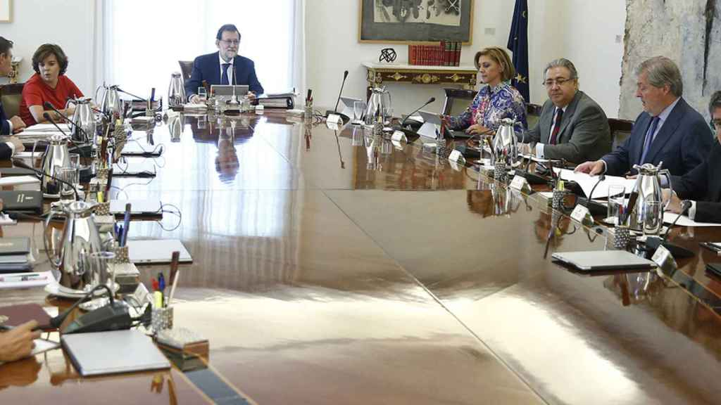 Reunión del Consejo de Ministros para recurrir la ley del refereréndum.