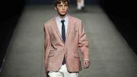 Las chaquetas han sido las protagonistas de la propuesta del diseñador madrileño.   Foto: GTRES.