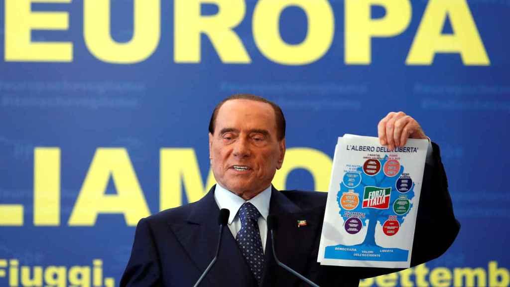 Berlusconi, durante un mitin en Fuggi.
