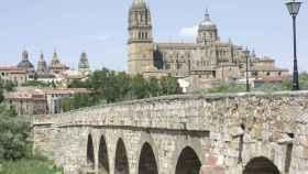 Puente-Romano-sobre-el-rio-Tormes-en-Salamanca