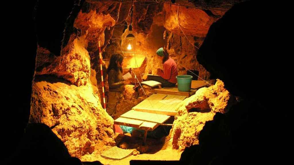Interior de la cueva de El Sidrón (Asturias).