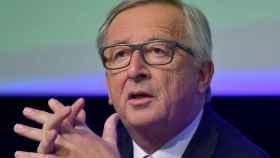 Juncker pide que se respete la Constitución española
