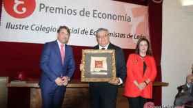 Foto 1.- Premio Economistas