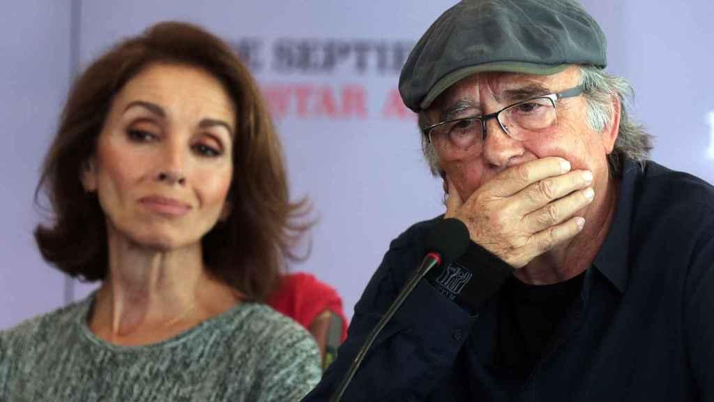 Serrat en la rueda de prensa junto a Ana Belén.