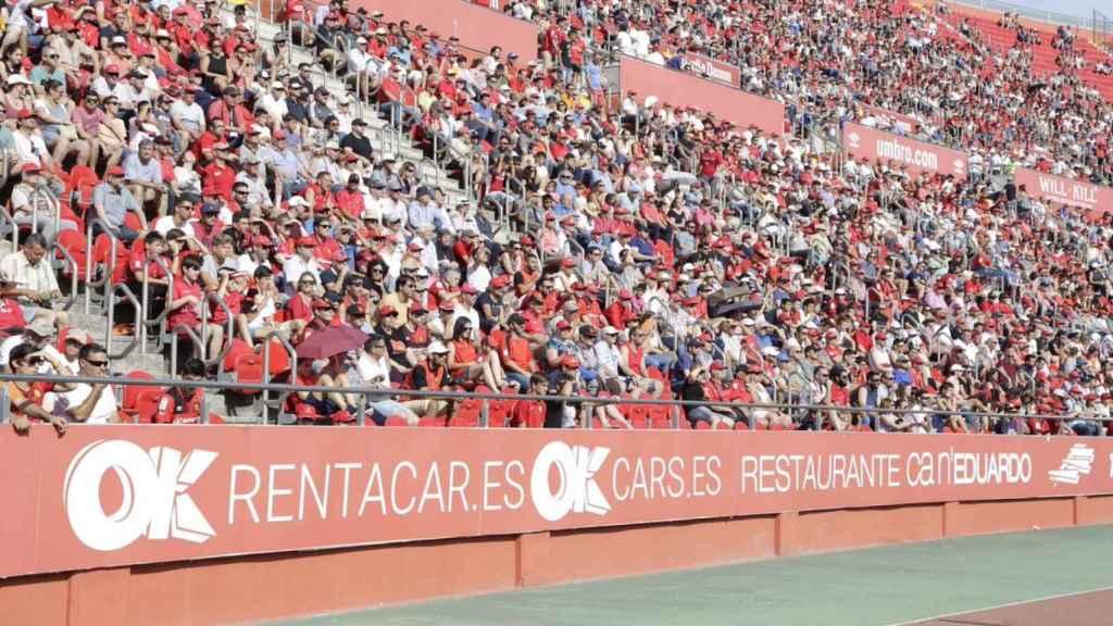 Aficionados del Mallorca en el estadio de Son Moix.