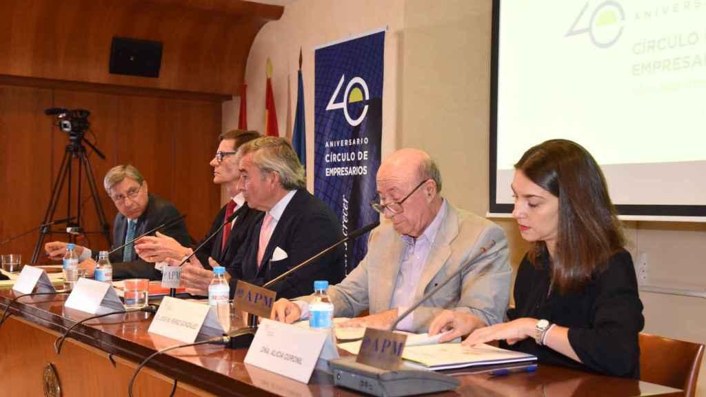 Javier Vega de Seoane, presidente del Círculo de Empresarios junto al resto de miembros que han realizado la propuesta de Un pacto para un crecimiento integrador.