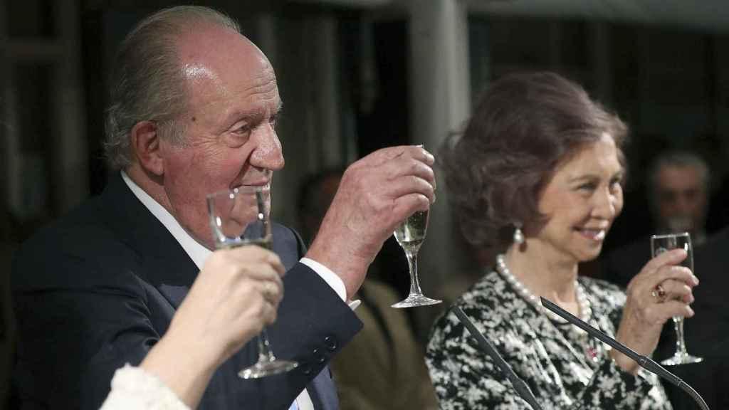 Juan Carlos y Sofía estuvieron sonrientes en el evento.