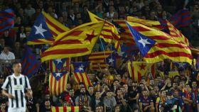 Esteladas en el Camp Nou durante el encuentro de Champions ante la Juventus.