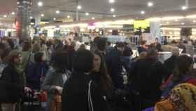 Colas en varios aeropuertos