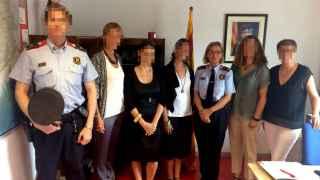 La intendente de los Mossos, Teresa Laplana, a la derecha de la imagen