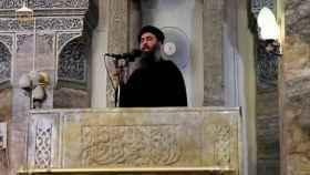 Al Bagdadi en su primera aparición pública en Mosul.