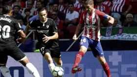 Gabi da un pase contra el Sevilla
