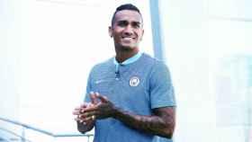 Danilo, nuevo jugador del Manchester City  Foto: mancity.com