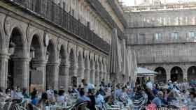 plaza-mayor-salamanca-terrazas-turistas-turismo-spain