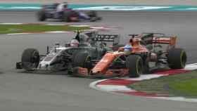 El pique entre Alonso y Magnussen.