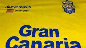 Camiseta que lucirá la U. D. Las Palmas ante el Barcelona