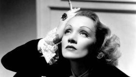 Marlene Dietrich, en la National Portrait Gallery.