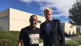 Kahn visita Valdebebas y se reencuentra con Roberto Carlos. Foto: Twitter (@Oficial_RC3)