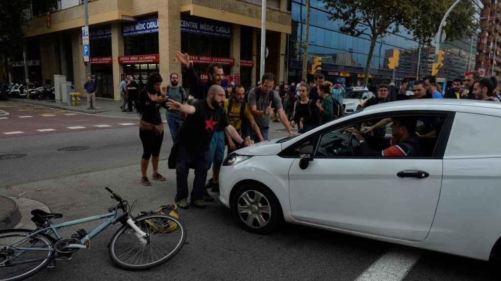 Piquetes bloquean la Gran Vía de Barcelona en la manifestación del 3-O.