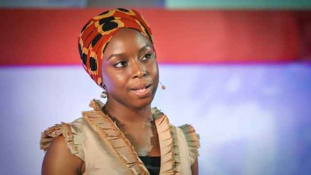 Chimamanda en su famosa charla TED.