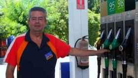 José Álvarez Pérez, Pepe, trabaja en la gasolinera desde 1962.
