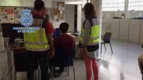 El detenido es un voluntario de un centro por abusos sexuales a cuatro menores.