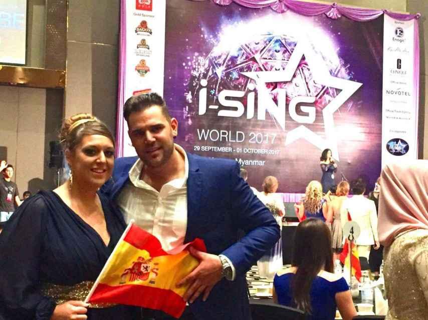 Jenny Tomás y Víctor Castillo quedaron segundos en la categoría de duetos