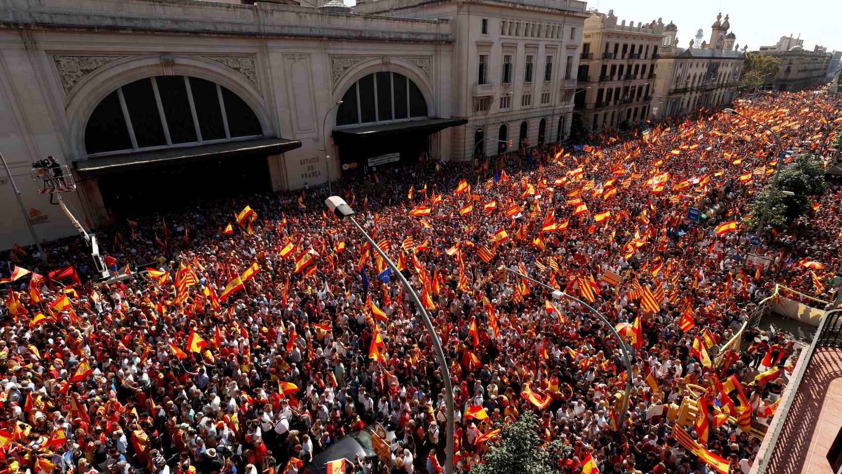 Miles de personas en el punto final de la marcha. SCC cifró la asistencia en 950.000 personas.