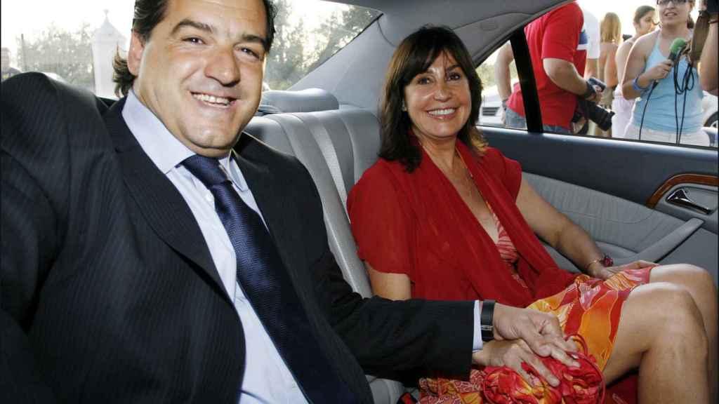 Con su tercer marido José Campos.
