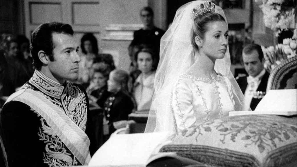 Imagen de la boda de Alfonso de Borbón y Carmen Martínez-Bordiú.