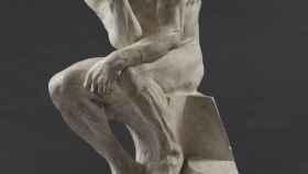 El pensador, en las Puertas del infierno, de Auguste Rodin.