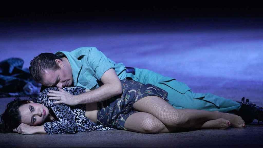 La mezzosoprano Anna Goryachova (Carmen) y el tenor Francesco Meli (Don José).