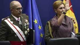 La ministra de Defensa, María Dolores de Cospedal, junto al Jefe del Estado Mayor de la Defensa (Jemad), el general Fernando Alejandre Martínez.