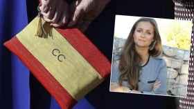 Detalle del bolso de Cristina Cifuentes y Adriana Arranz Sobrini.