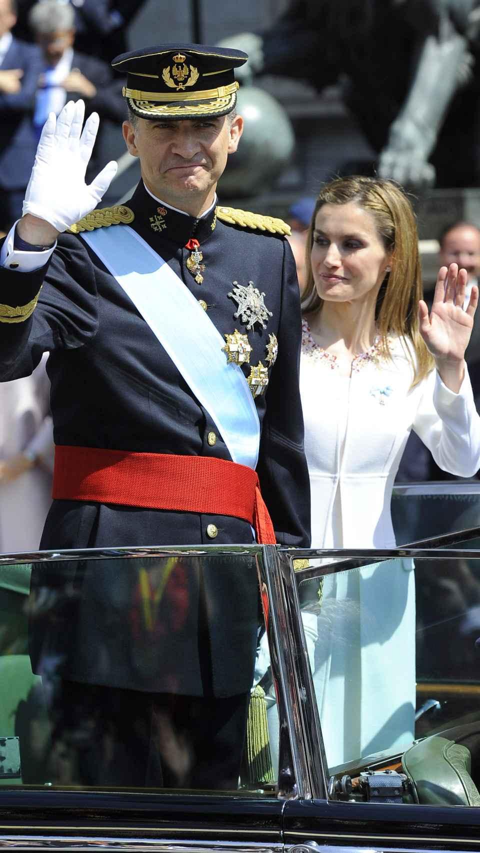 El Príncipe Felipe VI junto a la Reina Letizia durante su proclamación en junio de 2014