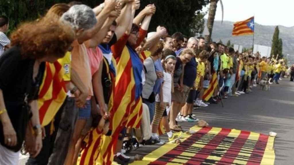 La cadena humana que unió Cataluña de norte a sur en la Diada de 2013 fue organizada por los Jordis.