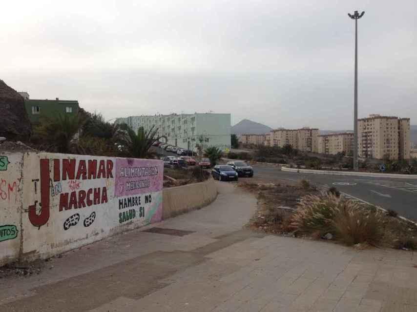 Los vecinos de Jinámar, barriada empobrecida al sur de Las Palmas, aseguran que el ganador de la fortuna no está entre sus vecinos.