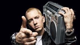 En cantante de rap, Eminem.