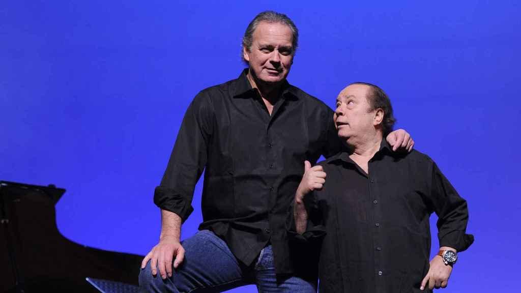 Bertín Osborne y Arévalo, durante una de sus actuaciones.